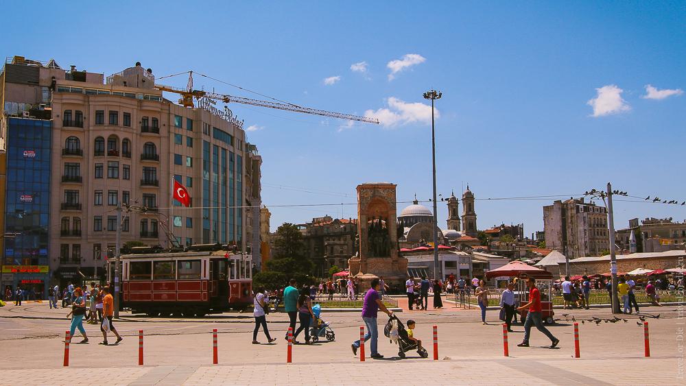 Улица Истикляль в Стамбуле. Площадь Таксим