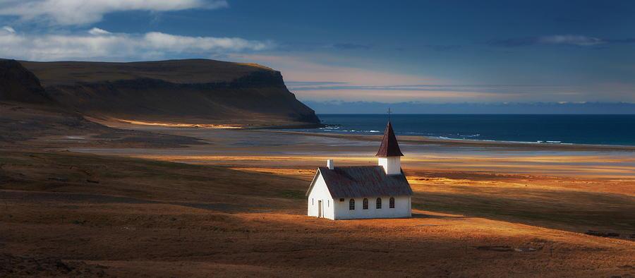 Золотая церковь. Автор фото: Дилан Тох и Марианна Лим
