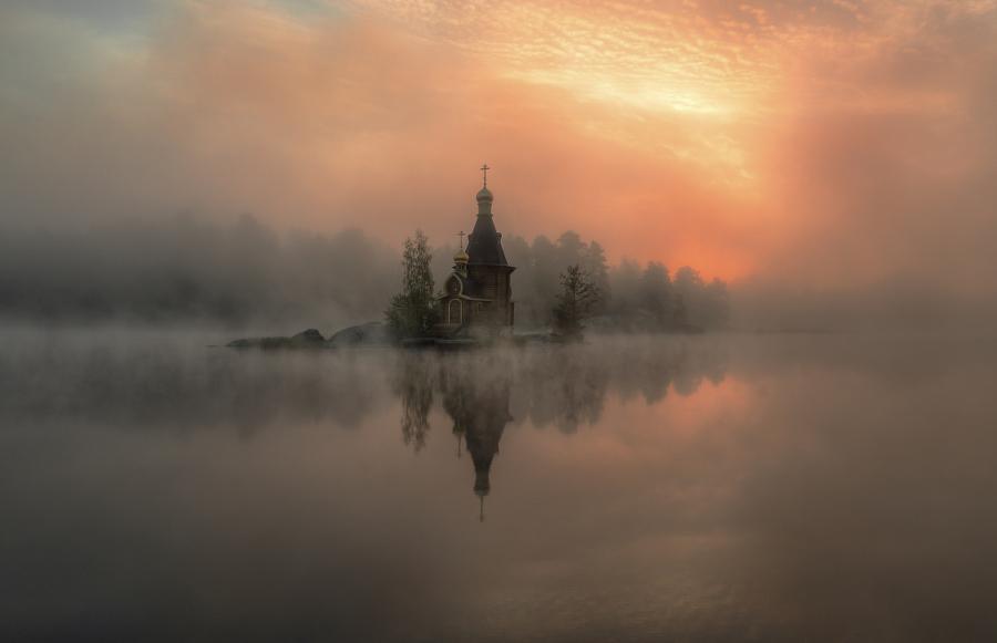 Храм Андрея Первозванного, река Вуокса, Россия. Автор фото: Александр Атоян
