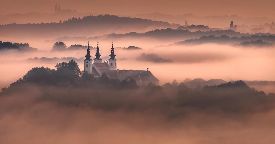 Церковь Святой Троицы в Slovenian Hils, Словения. Автор фото: Питер Зайфрид