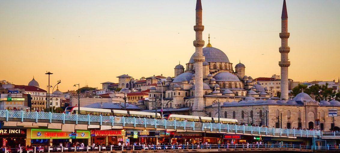 Дешевые авиабилеты Нальчик - Стамбул (Турция)