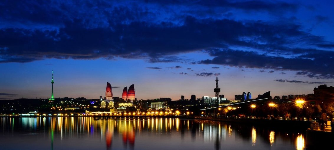 Дешевые авиабилеты Санкт-Петербург - Баку (Азербайджан)