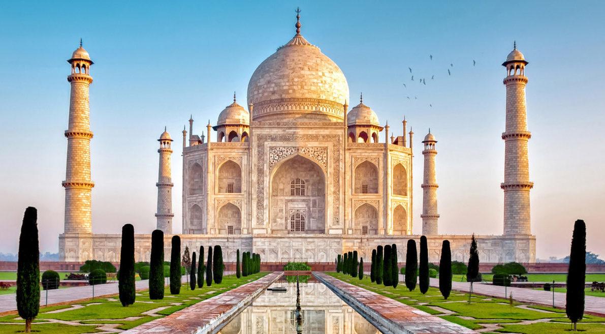 Дешевые авиабилеты Санкт-Петербург - Дели (Индия)
