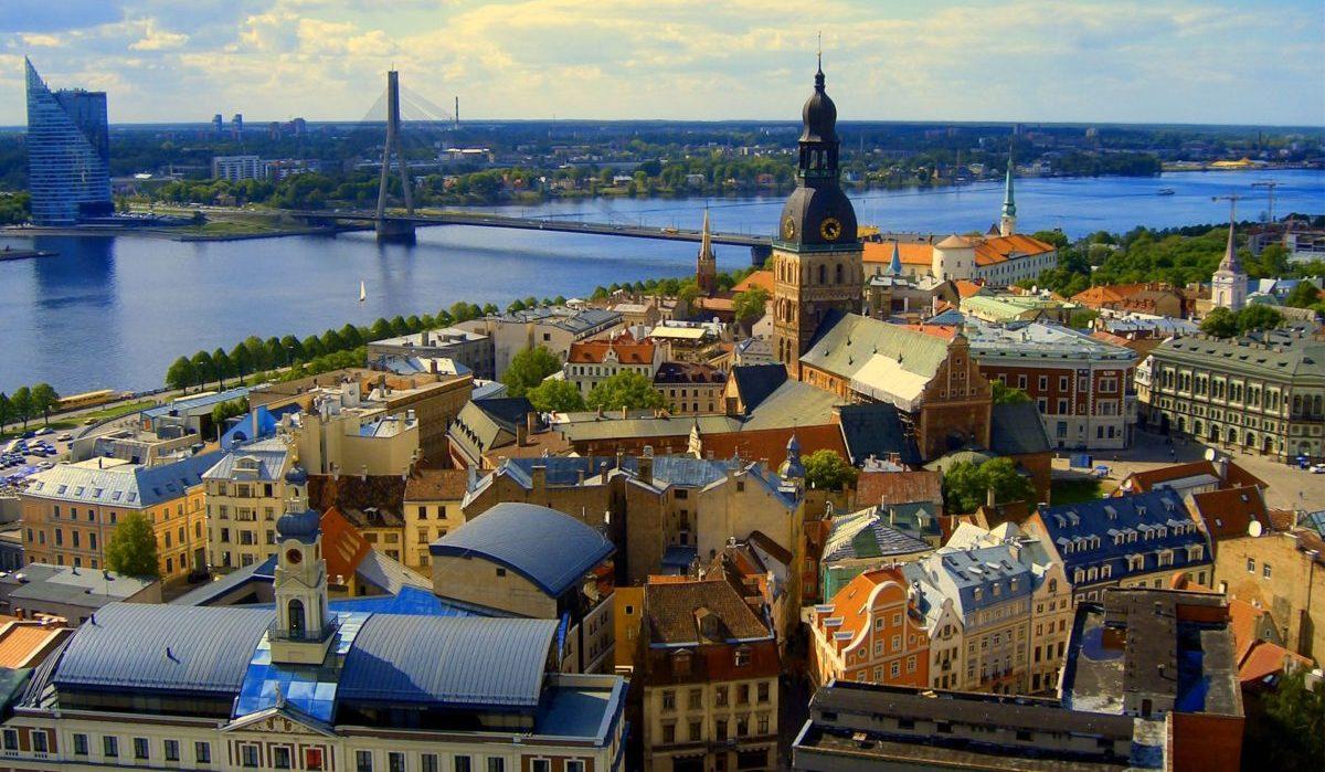 Дешевые авиабилеты в Латвию