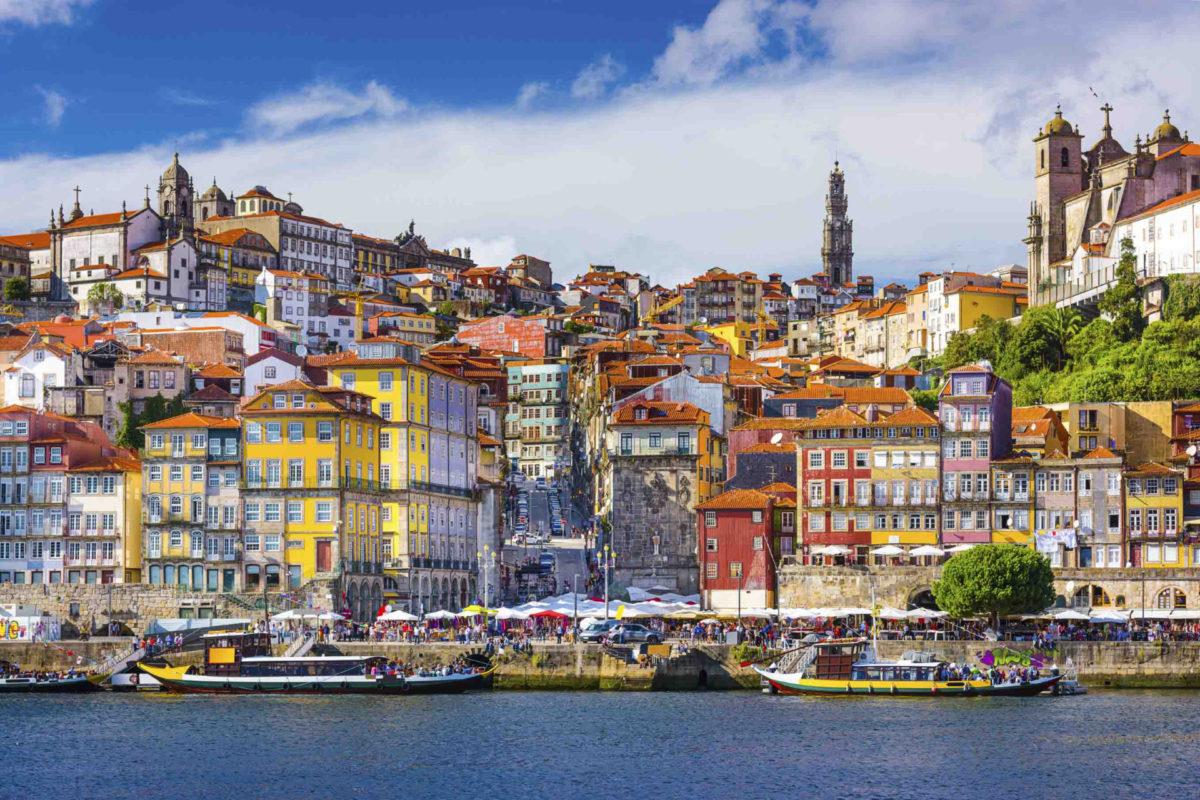 Дешевые авиабилеты в Португалию