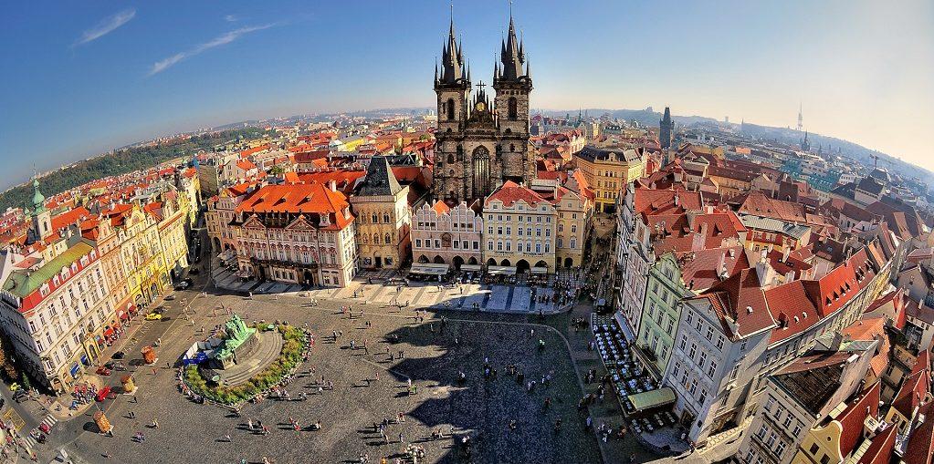 Дешевые авиабилеты Омск - Прага (Чехия)