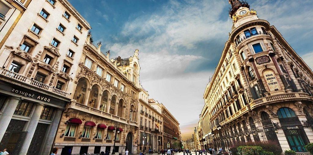 Дешевые авиабилеты Волгоград - Барселона (Испания)