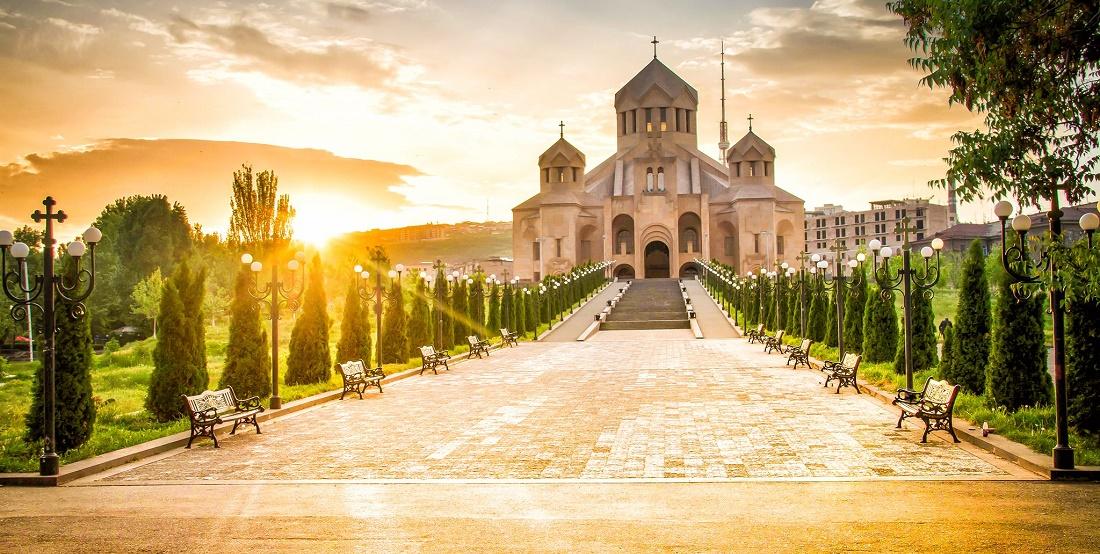 Дешевые авиабилеты Казань ⇄ Ереван (Армения)