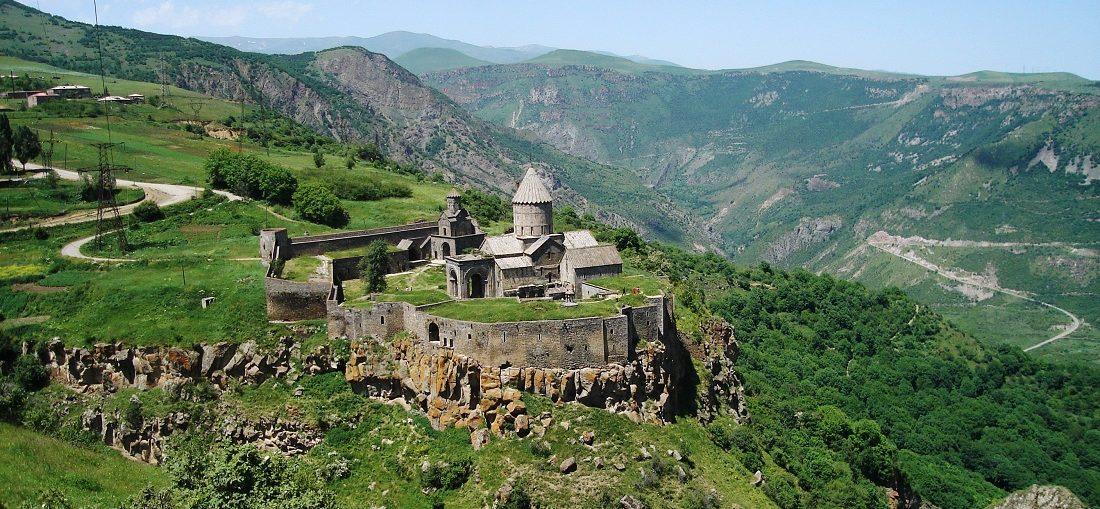 Дешевые авиабилеты Кемерово ⇄ Ереван (Армения)