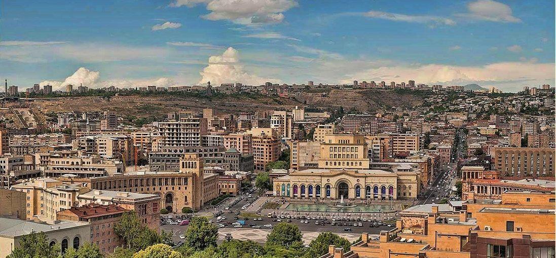 Дешевые авиабилеты Сочи - Ереван (Армения)