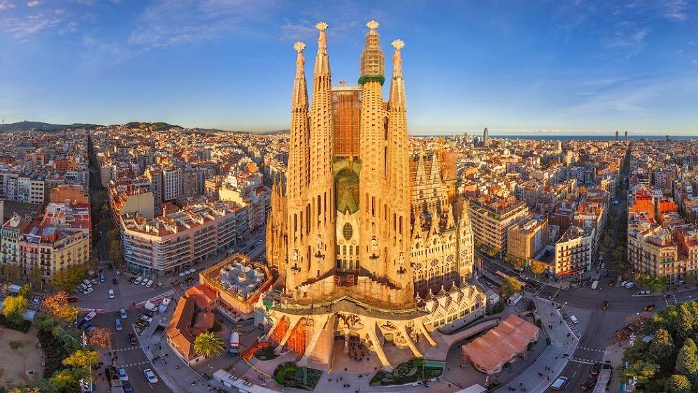 Дешевые авиабилеты в Барселону