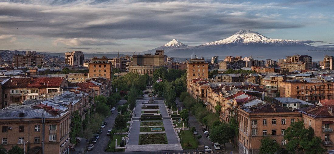 Дешевые авиабилеты Владивосток ⇄ Ереван (Армения)
