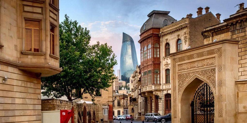 Дешевые авиабилеты Калининград - Баку (Азербайджан)