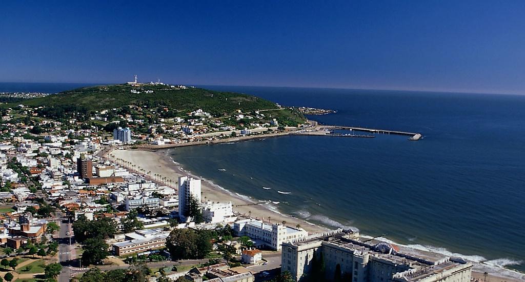 Дешевые авиабилеты в Уругвай
