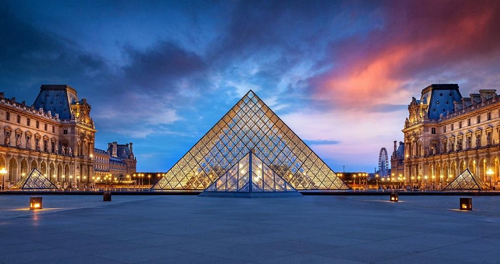 Экскурсия в Лувр, Париж