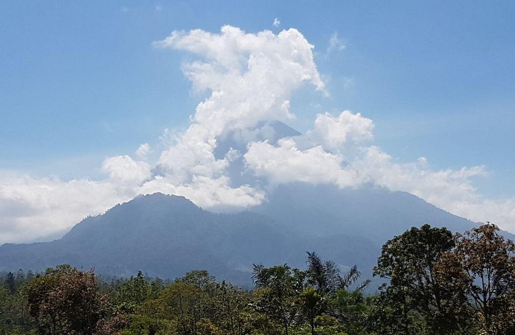 вулкан агунг 13