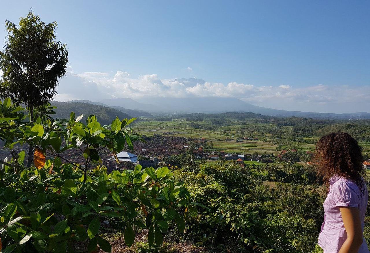вулкан агунг 25