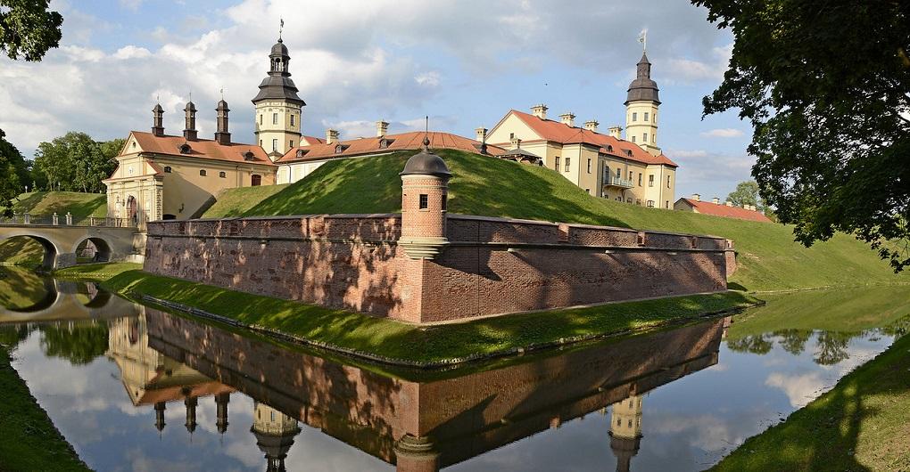 Экскурсия из Минска в замки Мир и Несвиж