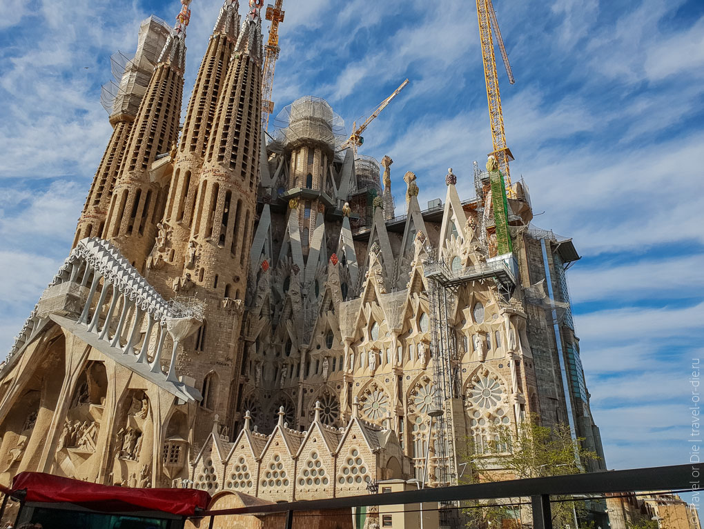 Барселона за 1 день. Экскурсия по Барселоне на автобусе 23