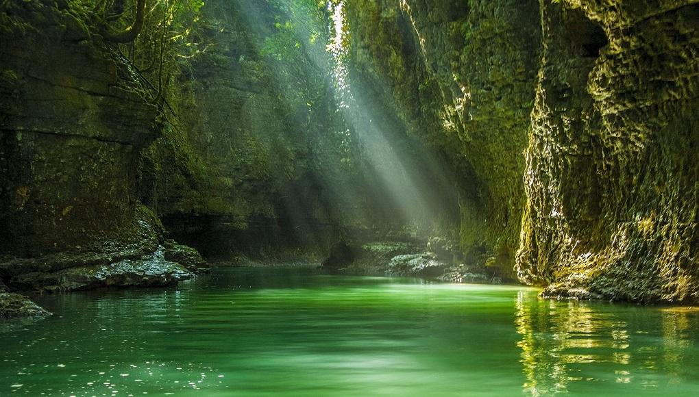 Экскурсия по каньонам и водопадам из Кутаиси