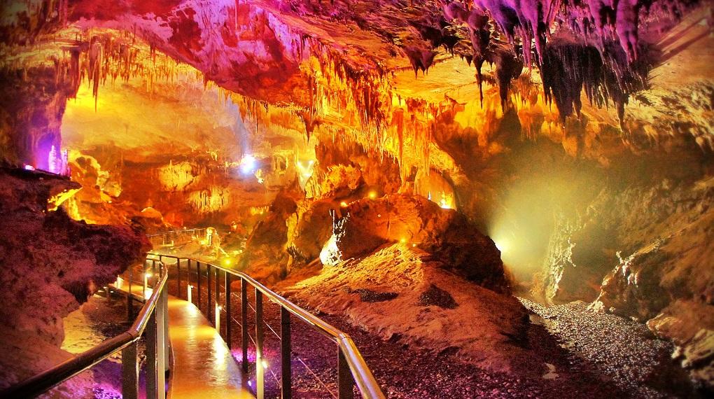 Экскурсия в Пещеры Прометея из Кутаиси
