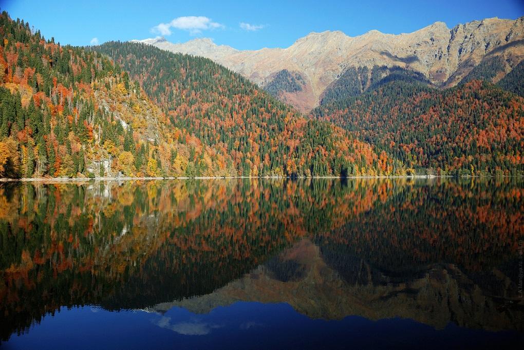 Экскурсия из Сухуми на озеро Рица