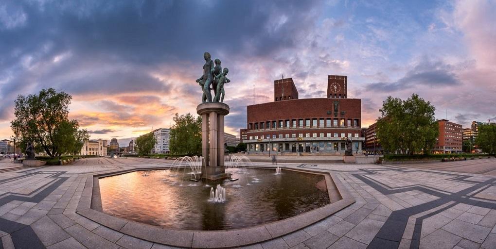 Достопримечательности Осло. Городская ратуша Осло