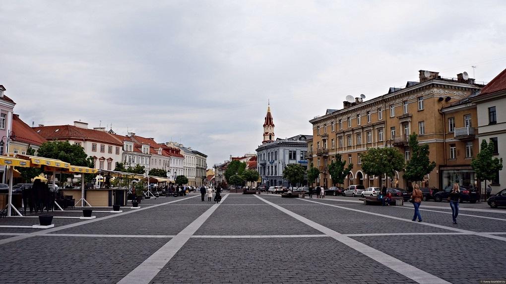 Достопримечательности Вильнюса - Ратуша и ратушная площадь
