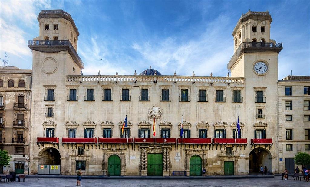 Достопримечательности Аликанте - Здание Муниципалитета Аликанте