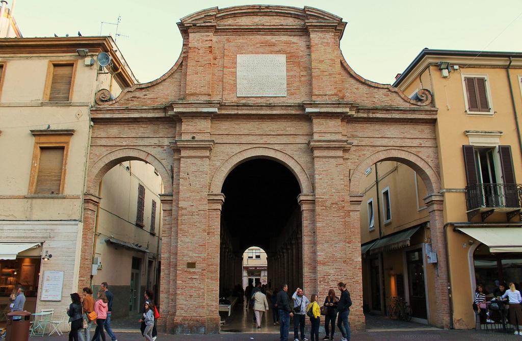 Достопримечательности Римини - Старинный рыбный рынок на площади Кавур