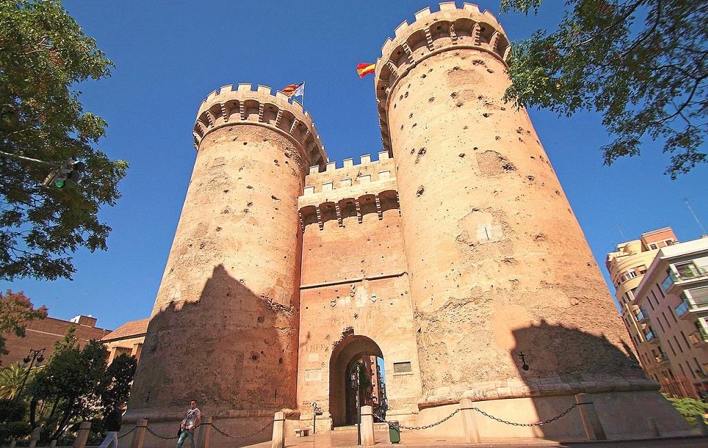 Достопримечательности Валенсии - Ворота Торрес де Куарт