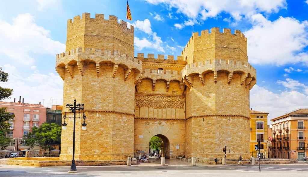Достопримечательности Валенсии - Ворота Торрес-де-Серранос