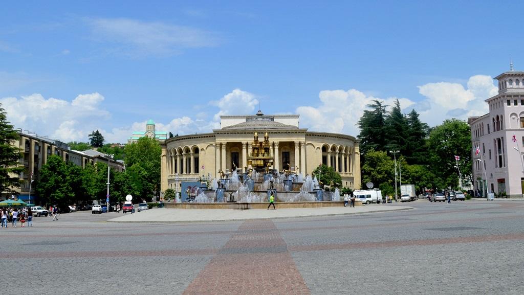 Достопримечательности Кутаиси - Площадь Давида Агмашенебели