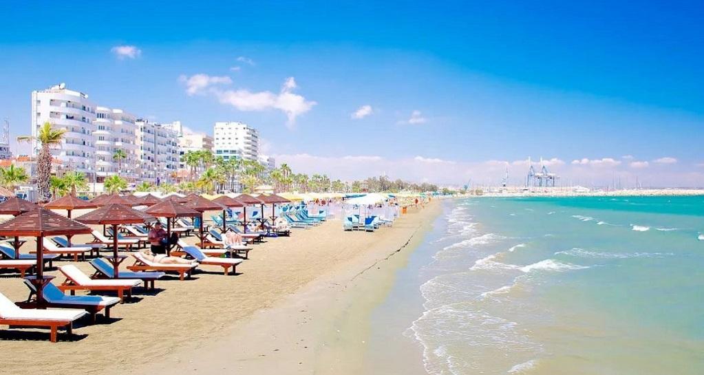 Достопримечательности Ларнаки - Пляж Финикудес