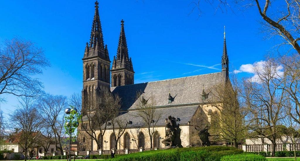 Достопримечательности Праги - Базилика Святых Петра и Павла
