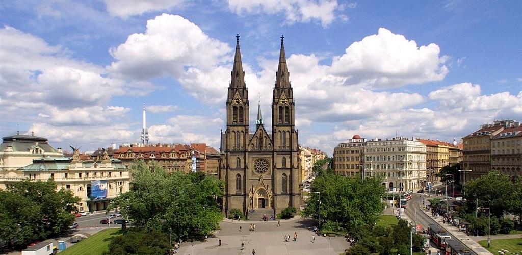 Достопримечательности Праги - Храм святой Людмилы