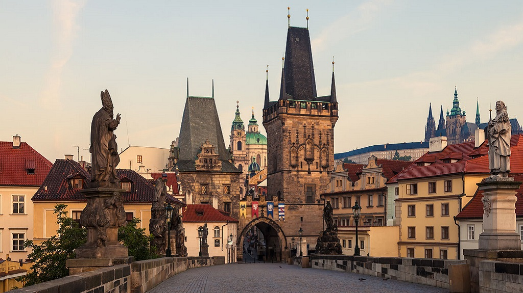 Достопримечательности Праги - Малостранские мостовые башни