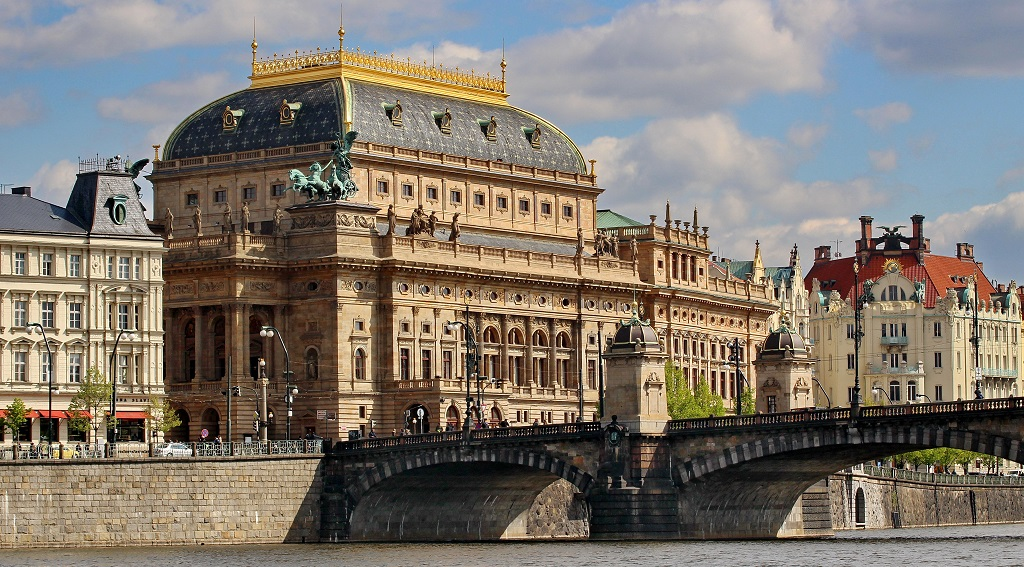 Достопримечательности Праги - Национальный театр