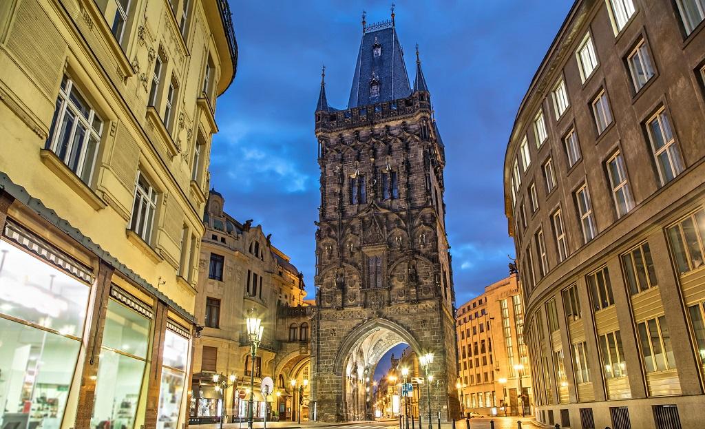 Достопримечательности Праги - Пороховая башня