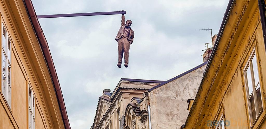 Достопримечательности Праги - Висящий человек