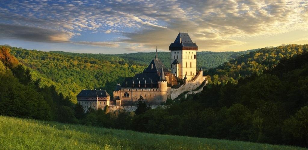 Достопримечательности Праги - Замок Карлштейн