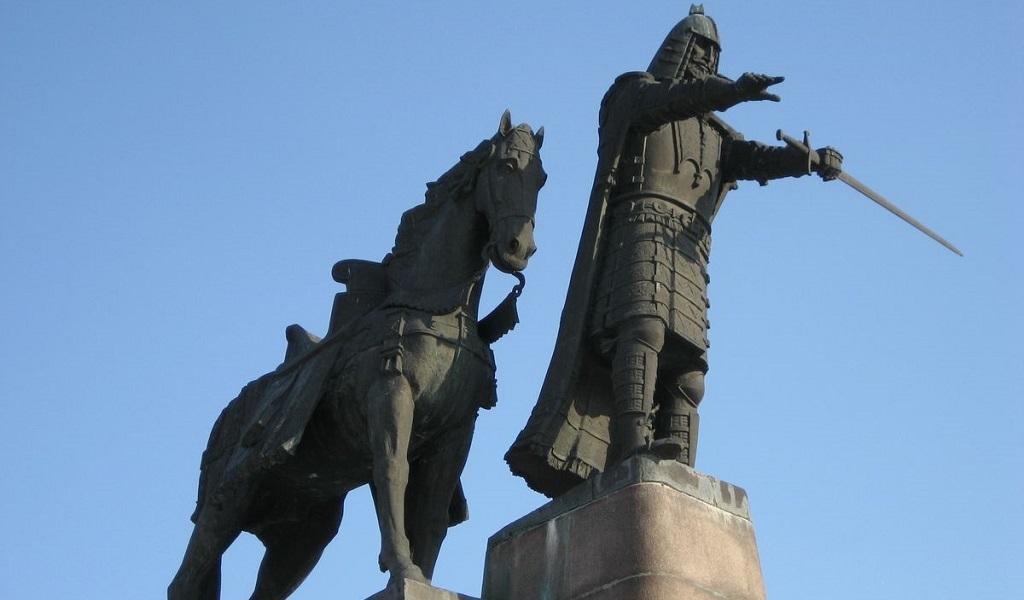 Достопримечательности Вильнюса - Памятник Гедимину
