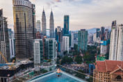 отели и квартиры в Куала-Лумпур с бассейном на крыше