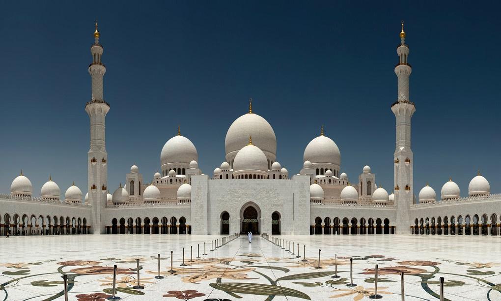Экскурсии из Дубая в мечеть Шейха Зайда (Абу-Даби)