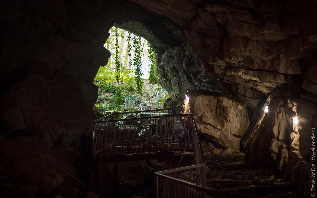 Экскурсия в Воронцовскую пещеру в Сочи