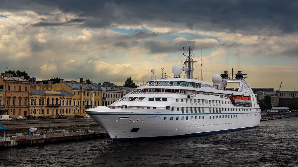 Обзорная экскурсия по Санкт-Петербургу на теплоходе