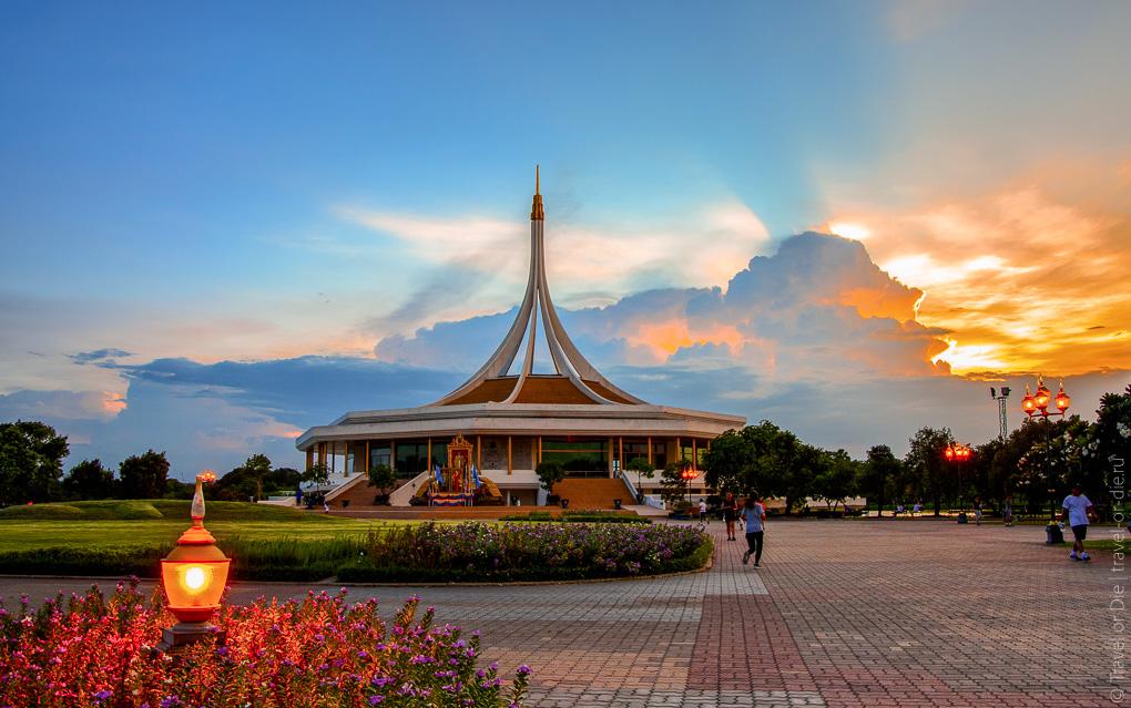 Достопримечательности Бангкока - Парк короля Рамы 9