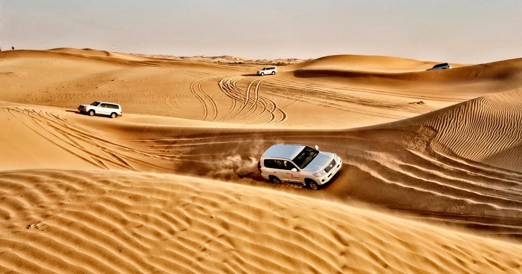 Экскурсия из Абу-Даби на джип-сафари по пустыне