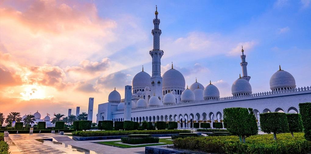 Экскурсия в Абу-Даби с посещением Лувра и мечети шейха Зайда