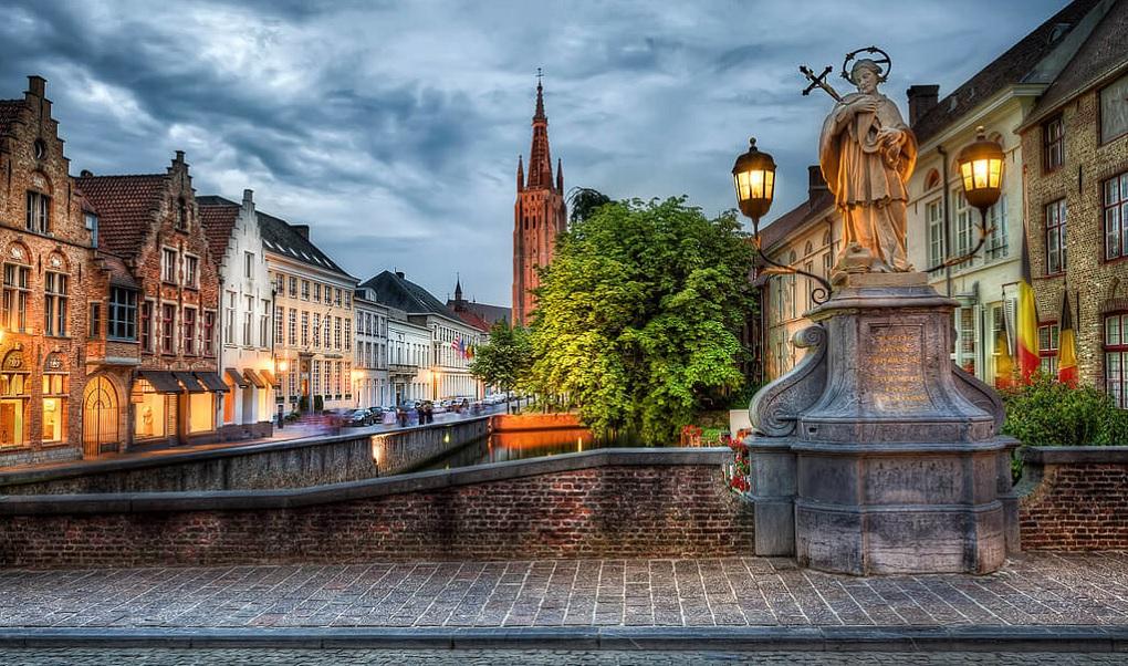 Пешеходная экскурсия по Брюгге с фотосессией